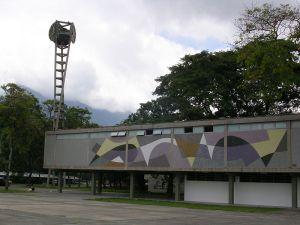 Reloj Armando Barrios - Se Encuentra en la UCV -- Caracas
